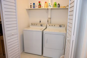 In Unit Side by Side Washer and Dryer 2 Bedroom 2 Bath